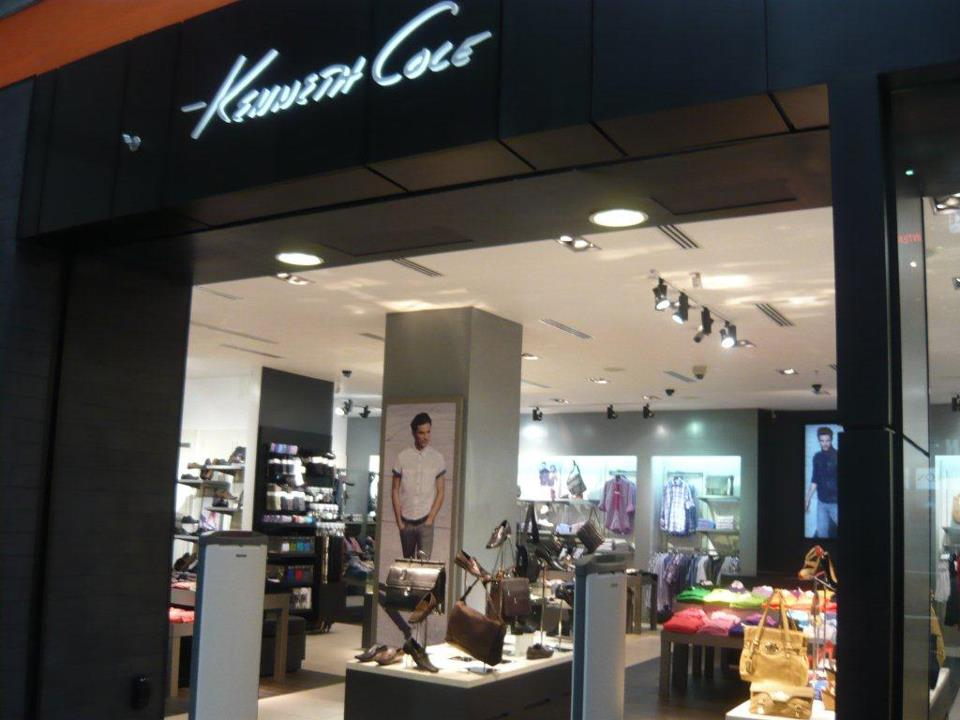 Kenneth Cole sucursales horarios panama