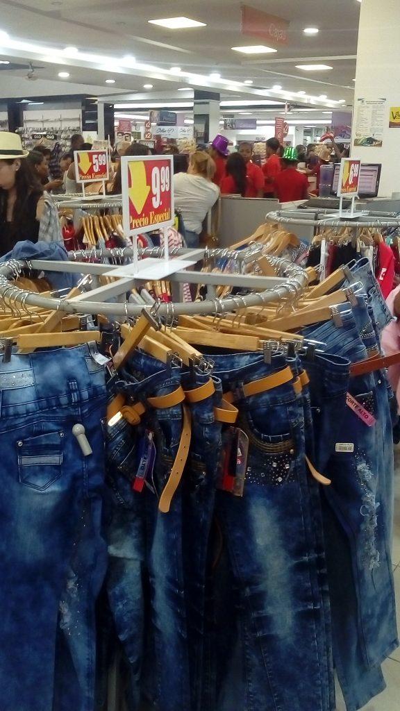 Jeans en Albrook $1