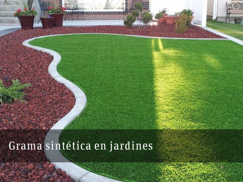 grama sintética en jardines