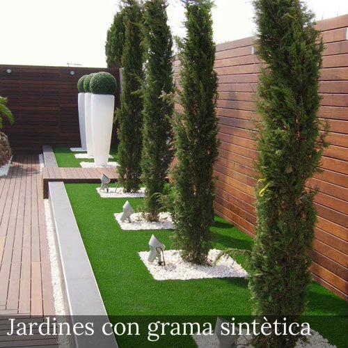 grama sintética en patios